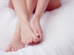 脚后跟干裂该怎么护理